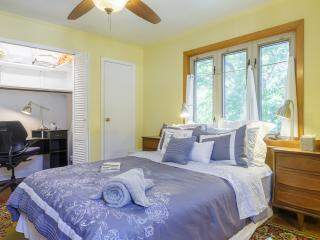 Big Comfy Beds & Breakfast on the  Deck - Bayside vacation rentals