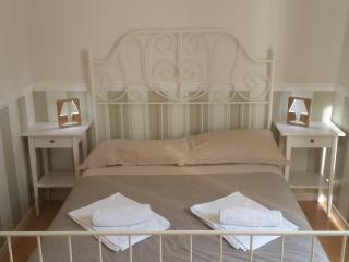 Central bright accomodation in Rome - Rome vacation rentals