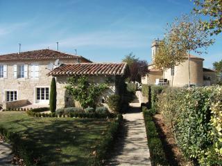 Maison  avec piscine, au coeur de la campagne Gers - Saint-Clar vacation rentals