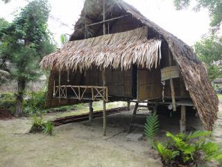 Chui's bar&hut - Ko Phra Thong vacation rentals