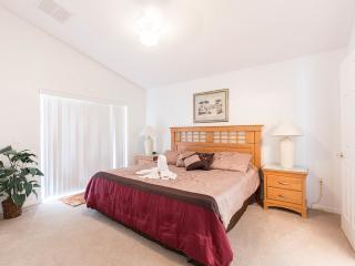 STUNNING 3 Bed Pool Villa on Gated Community. - Davenport vacation rentals