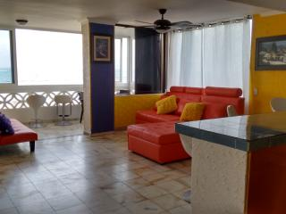 Wonderfull apartment with sea view,pool, recepcion - San Andres Island vacation rentals