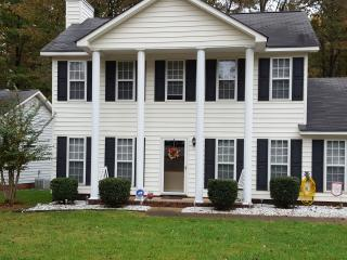 Charming 3 bedroom House in Charlotte - Charlotte vacation rentals