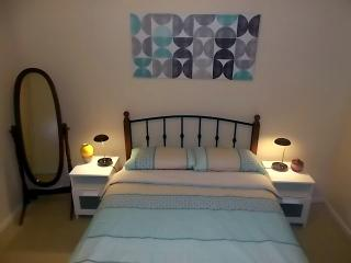 Cosy Home minutes  to Fremantle, Beach, Shops and Park - Hamilton Hill vacation rentals
