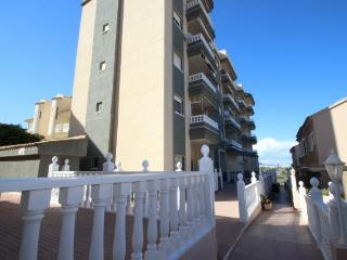 Ground floor 2 bedroom apartment on Seaside - Guardamar del Segura vacation rentals