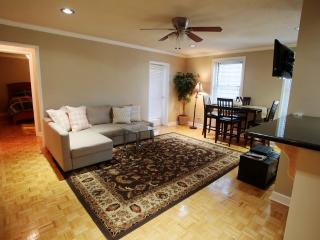 The center of Atlanta: Peachtree tower - Atlanta vacation rentals