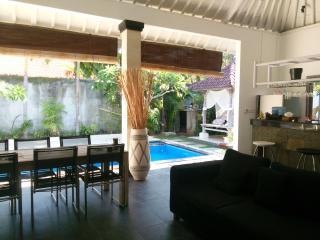 Umalas 5min to Seminyak 2bdr+ private pool - Seminyak vacation rentals