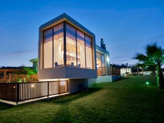 Royal VIP Villa, Ksirokampi Chania Crete - Kontomari vacation rentals