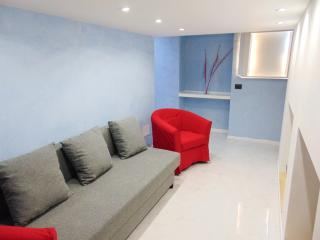 EASY APARTMENT MILANO - APPARTAMENTO BRAMANTE - Milan vacation rentals