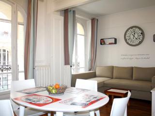 parisbeapartofit - Clodion Eiffel Tower (1401) - Paris vacation rentals