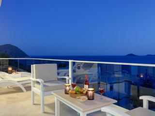 Villa Ruzgar Kalkan, 4 bedroom luxury private villa rental in Turkey sea front - Kalkan vacation rentals
