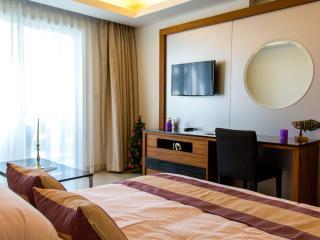 Luxury Sea View Studio 804A, Cosy Beach View Condo - Pattaya vacation rentals