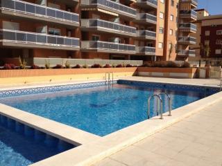 Apartamentos Pobla de Farnals, Puebla Marina Ático - Masalfasar vacation rentals