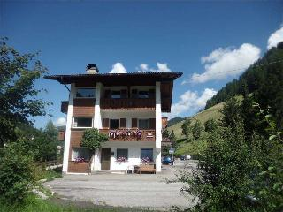 101 - Apartments Jasmin - 3-bedroom- apartment - Selva Di Val Gardena vacation rentals