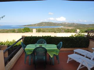 Villetta con terrazza vista mare - Palau vacation rentals