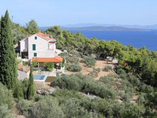 Vacation Rental in Central Dalmatia Islands