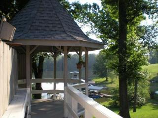 The House is Right on the Lake - Nashville vacation rentals