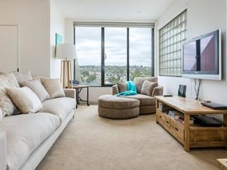 Perfect Condo in Mornington with A/C, sleeps 4 - Mornington vacation rentals