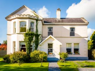 Banba House, 5* reviews. seasonal pricing - Galway vacation rentals