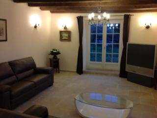 Nice House with Internet Access and Housekeeping Included - Mailleroncourt-Saint-Pancras vacation rentals