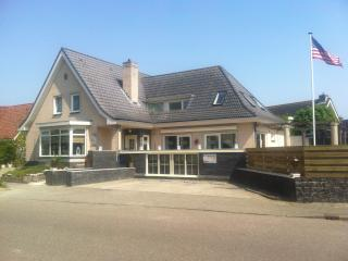 Nice Villa with Internet Access and Television - Medemblik vacation rentals