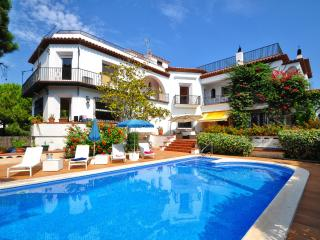 6 bedroom Condo with Internet Access in Sitges - Sitges vacation rentals