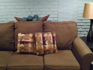Nice Studio with Internet Access and Dishwasher - Hastings vacation rentals