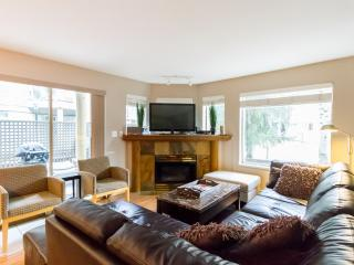 Fantastic 4 bed property, walk to village! - Whistler vacation rentals