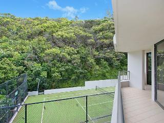 HUGE BEACHFRONT 2 BEDROOM UNIT - Pacific Paradise vacation rentals