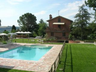 Sunny 3 bedroom House in Mondavio - Mondavio vacation rentals