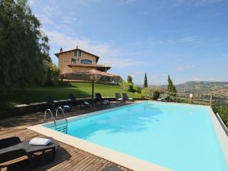 Bright 6 bedroom Villa in Campofilone - Campofilone vacation rentals