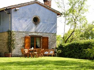 Nice 2 bedroom Villa in Fabriano with Television - Fabriano vacation rentals