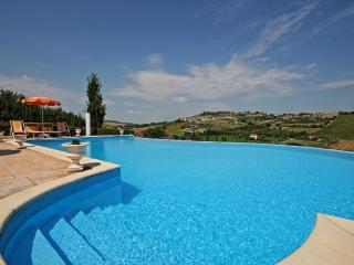 Bright 7 bedroom Loreto Villa with Internet Access - Loreto vacation rentals