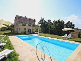 Beautiful 6 bedroom Montedinove Villa with A/C - Montedinove vacation rentals