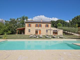 Nice 5 bedroom Villa in Barchi with Internet Access - Barchi vacation rentals