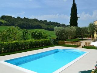 Cozy House with A/C and Private Outdoor Pool in Altidona - Altidona vacation rentals
