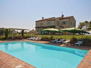 Bright 8 bedroom Piagge Villa with Internet Access - Piagge vacation rentals