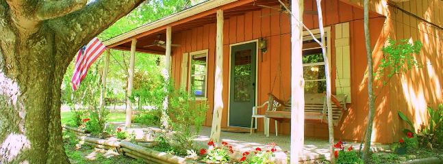 Ramsey's Cozy Cottage - Image 1 - Wimberley - rentals