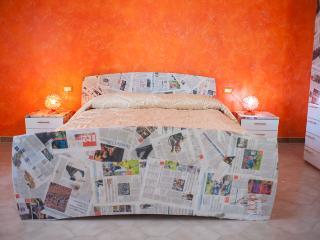 B&B Casa Tua originali stanze vi aspettano... - Castel Frentano vacation rentals