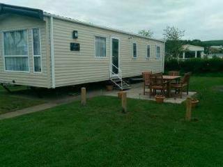 3 bed prestige caravan in Craig tara holiday park - Ayr vacation rentals