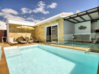 Nice Villa with Internet Access and Television - Puerto Del Carmen vacation rentals