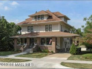 Walk to St. Mary's & Mayo Clinic (1330 sq.ft) - Rochester vacation rentals