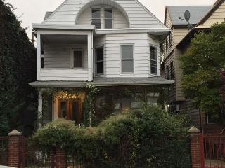 20 minutes to Manhattan, Sunny, Private room - Brooklyn vacation rentals