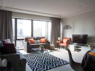 Heart of CBD Luxury 2 BD Short stay Apartment - Melbourne vacation rentals
