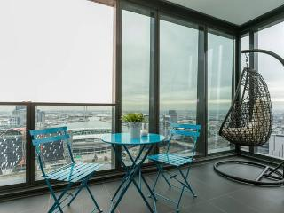 Nest-Apartments SEA VIEW 2Bd 2Bth Heart CBD - Melbourne vacation rentals