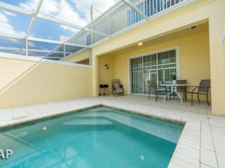 SERENITY DREAM  HOME, 3BED/3BATH  (sleeps 6)  10 miles toDisney - MODERN, BALCONY,SPLASH POOL, Townh - Four Corners vacation rentals