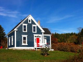 Petite Riviere Cottage near Rissers Beach - Lunenburg vacation rentals