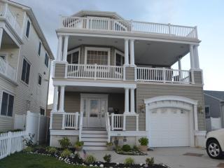 Luxury Retreat Home ~ Perfect Couples Getaway! - Brigantine vacation rentals