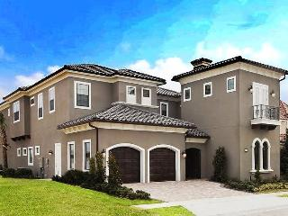 Amazing Family Home with Pool - 6 Miles to Disney! - Reunion vacation rentals