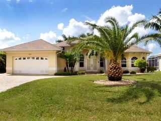 Luxury waterfront 4 bedroom vacation home- Pool & Jacuzzi- Pet friendly- Beautiful family home - Matlacha vacation rentals